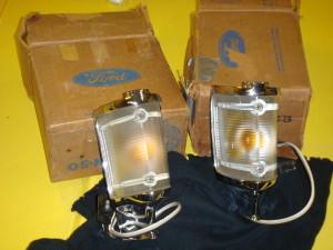 NOS 68-69 Torino pair of parking light assemblies